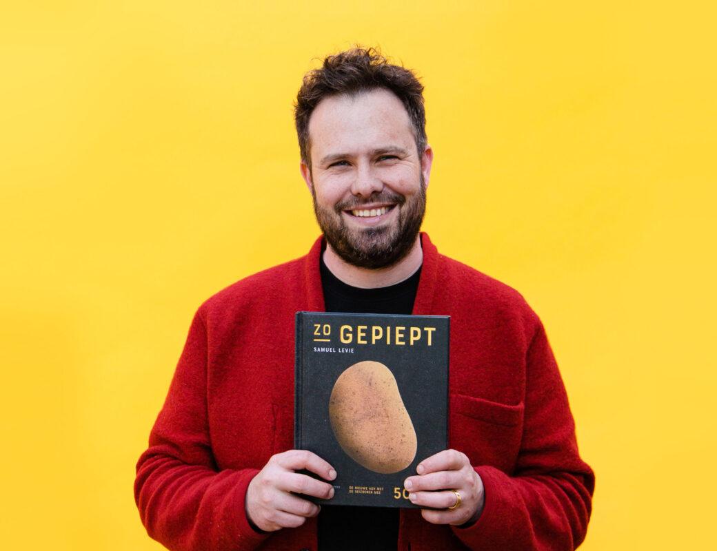 Samuel Levie met kookboek Zo gepiept